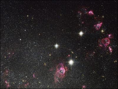 哈勃望远镜实拍 支离破碎的星体