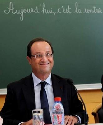 法国总统傻笑照走红