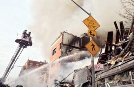纽约曼哈顿发生爆炸 3人死亡63人受伤|英语阅