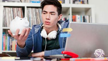毕业时 捉襟见肘 的实习工资|英语阅读|英语阅读