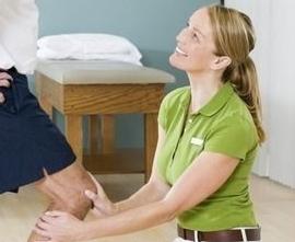 地道美语听力练习:为怕疼的病人做复健