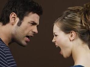 地道美语听力练习:夫妻在花销上产生分歧