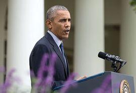 美国总统奥巴马每周电台演讲:继续壮大中产阶级