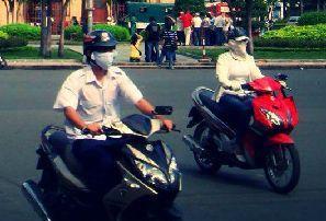 经济学人下载:驾驶在越南 四个轮子不错两个轮子更好