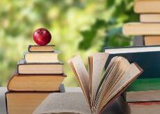 考研英语作文范文:图书馆阅读和电子书