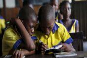 VOA常速英语:对尼日利亚提供发展援助