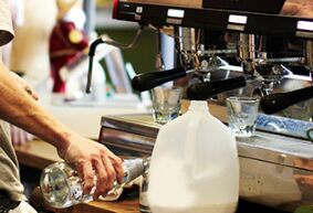 美文赏析:咖啡厅里的故事