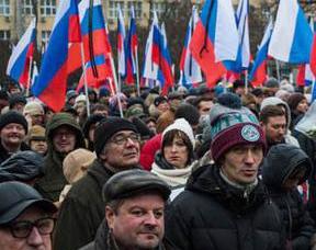 英语访谈节目:为什么年轻的俄罗斯人正在动员反对腐败