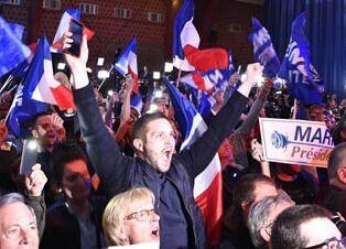 国际英语新闻:Macron, Le Pen advance to French presidential election runoff: projections
