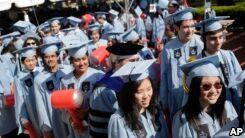 VOA慢速英语:经济学家:四年内完成学业是成功的关键