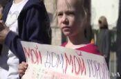 VOA常速英语:Russian Capital's Residents Resist Massive Demolition Plan