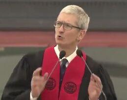 苹果公司CEO蒂姆·库克在MIT毕业典礼上演讲