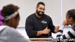 VOA慢速英语:American Football Player Leaves NFL to Study Math