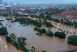 BBC在线收听下载:飓风洪水 德州50万灾民等待救助