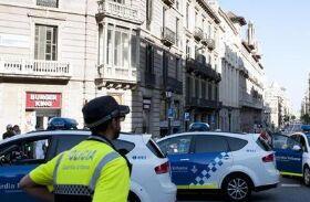 BBC在线收听下载:西班牙发生汽车撞人恐袭事件
