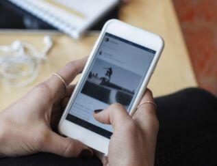 美文赏析:我的生活被手机绑架了