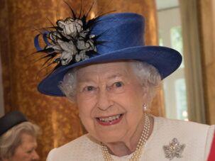 英国女王面前绝对不能做的8件事!