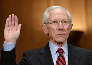 美联储副主席费希尔宣布辞职