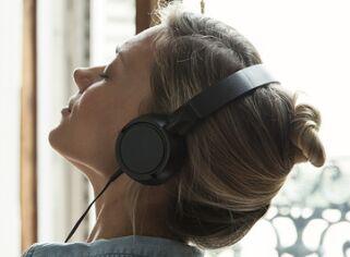 欢快的音乐能够激发创造性