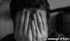 VOA慢速英语:媒体不该对自杀行为进行渲染