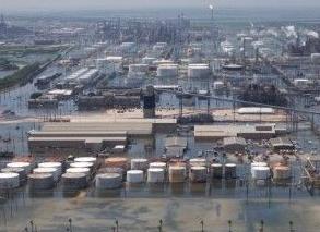 英语访谈节目:哈维飓风袭击炼油厂导致天然气价格飙升