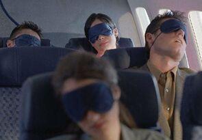 做这些事能帮助你在飞机上入眠