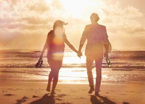 英语美文:只要有你,我的生活就有了光