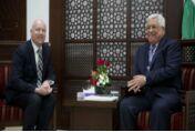 VOA常速英语:为加沙和西岸地区的再统一而努力