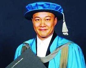 陈奕迅英国金士顿大学毕业演讲
