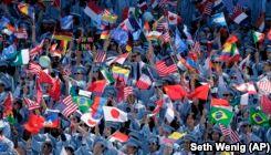 VOA慢速英语:美国大学的国际留学生减少