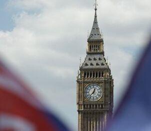 国际英语新闻:Manufacturing sector continues to shine in British economy