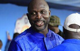 BBC在线收听下载:前国际球星乔治•维阿参加利比里亚总统选举