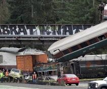 BBC在线收听下载:美国华盛顿州发生火车出轨事故