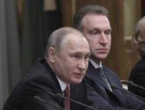 英语访谈节目:美国记者马文・卡尔布回忆录:改变俄罗斯的一年