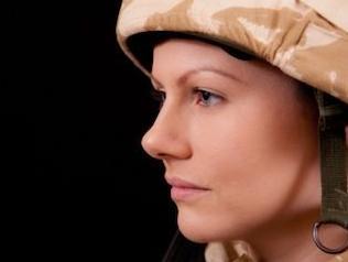 实战口语情景对话 第1095期:Women in Uniform 女兵