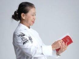泰国街头美食女王获米其林明星奖