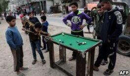 VOA慢速英语:联合国称削减援助会伤害巴勒斯坦儿童