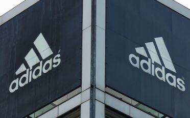 阿迪用海洋垃圾做了款跑鞋,销售高达百万!
