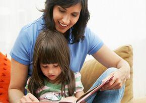 研究显示 给孩子大声朗读能提升他们的注意力