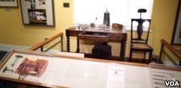 VOA慢速英语:美国博物馆展示牙齿和牙医工具的历史