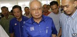 VOA慢速英语:92岁马哈蒂尔赢得马来西亚大选 将成全球最高龄领导人