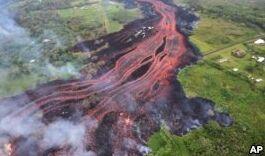 VOA慢速英语:夏威夷火山活动影响美国旅游
