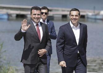 国际英语新闻:Greece, FYROM sign historic deal to end Macedonia name dispute