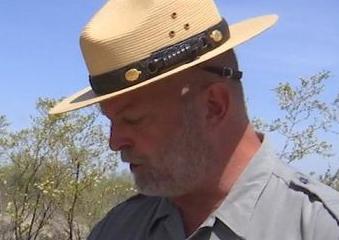 英语访谈节目:美国国家公园中的珍宝屡遭偷盗