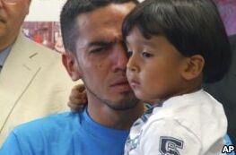 美国:部分孩子与移民家庭团聚