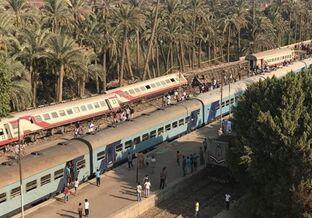 国际英语新闻:55 injured as train derails near Giza, Egypt