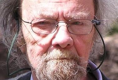 英语访谈节目:缅怀诗人唐纳德・霍尔