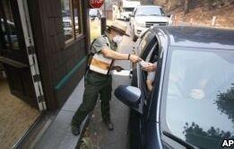 VOA慢速英语:优胜美地国家公园重开 但旅游业仍在衰退