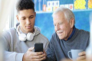 研究显示 人越老越难认识错误