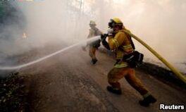 加利福尼亚历史上最大的野火仍在肆虐